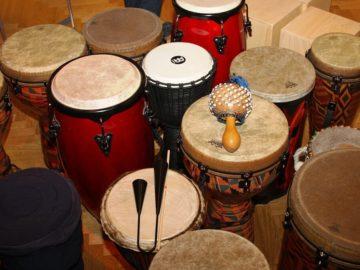 afrykańskie instrumenty muzyczne djembe